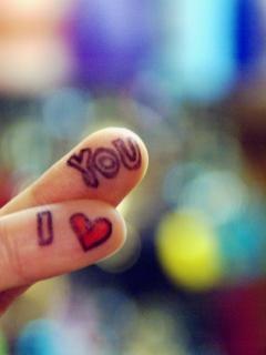 Te iubesc scris pe degete